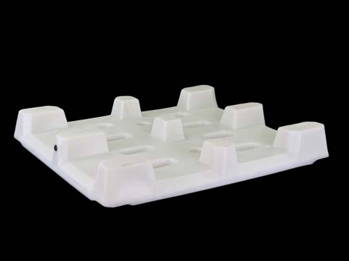 XIN Bottom of the 12-10 4-Way Hygiene floor plastic pallet with rim.